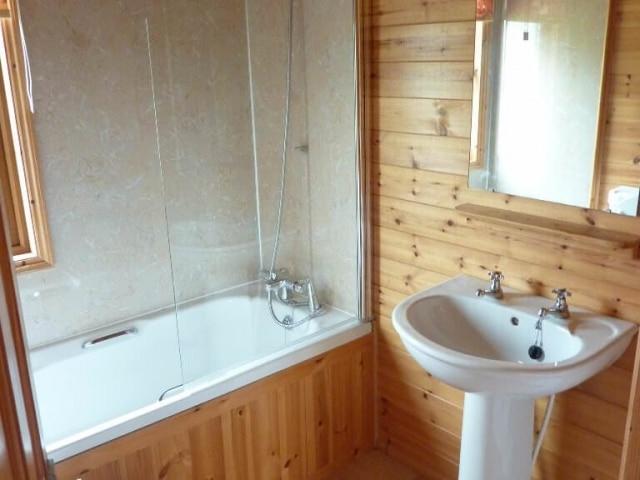 Cornwall Willow Lodge Holiday Bathroom