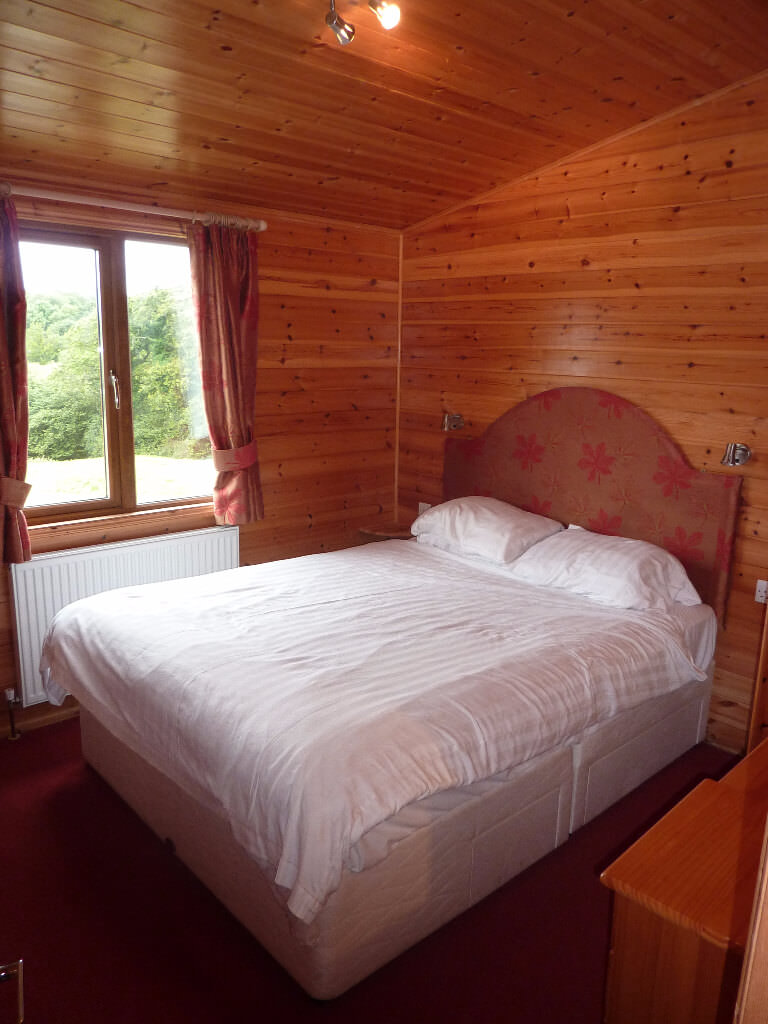 Cornwall Willow Lodge Holiday Bed